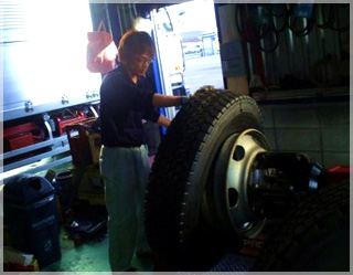 自社整備‐タイヤ交換